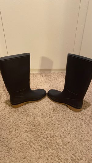 Rain boots navy blue size 8.5 US for Sale in Glendale, CA