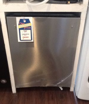 New open box whirlpool dishwasher WDT730PAHZ for Sale in Bellflower, CA
