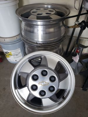 Chevy Rims 16 X 6 1/2 for Sale in Fontana, CA