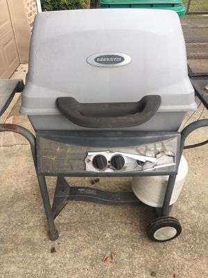 Grill, propane for Sale in Winchester, TN