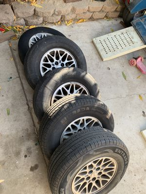 Jeep cherokee/ wrangler wheels set of 5 for Sale in San Diego, CA