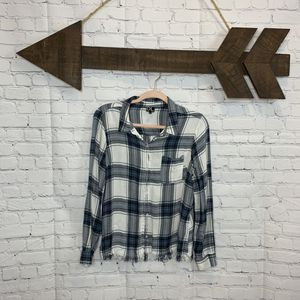 Daily Look - Medium - long sleeve plaid w/ fringe bottom for Sale in Cleburne, TX