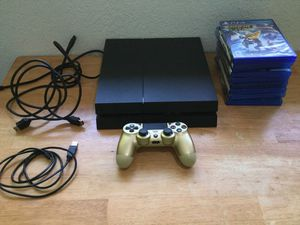 PS4 with 408.5 GB Bundle /w Games and DUALSHOCK 4 for Sale in Everett, WA