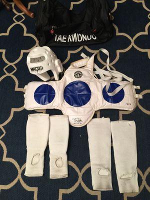 Taekwondo Gear Sz ch L 4 for Sale in Wildomar, CA