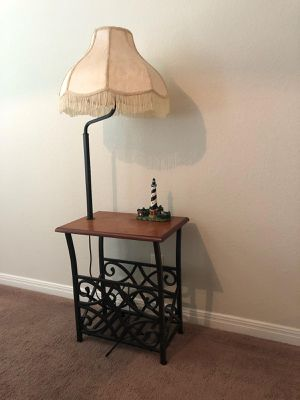 Antique side table/lamp for Sale in Lago Vista, TX