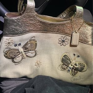 Authentic Butterfly Canvas Coach Purse for Sale in Fort Worth, TX