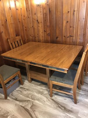 W@W Very nice Solid Oak Kitchen Table and chairs for Sale in Douglass, KS