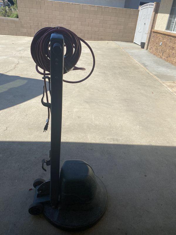 Nobles speedshine 2000hd floor scrubber