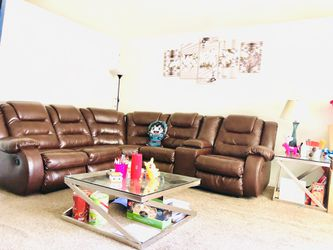 LEATHERS SOFA SET ( w/ 1 Mirror Table) for Sale in West Jordan,  UT