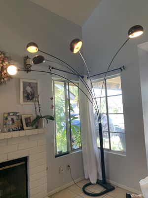 Big floor lamp for Sale in Perris, CA