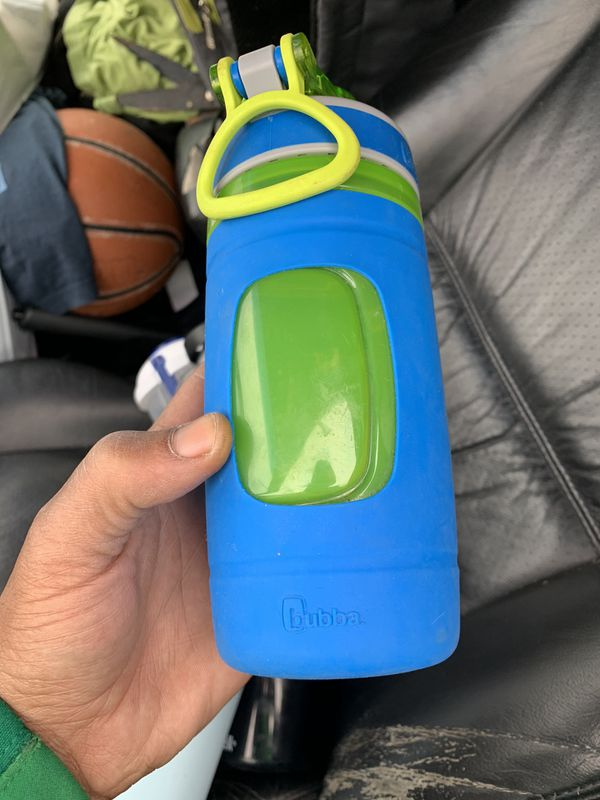 Used Hydro flask water bottle and camelbak water bottle bubba waterbottle and container with sauce cup and fork everything for 20.00