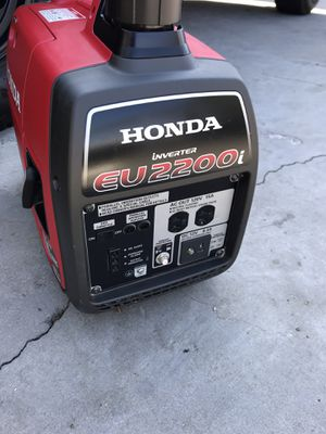 Honda eu2000i generator in excellent condition almost new low hours for Sale in Torrance, CA