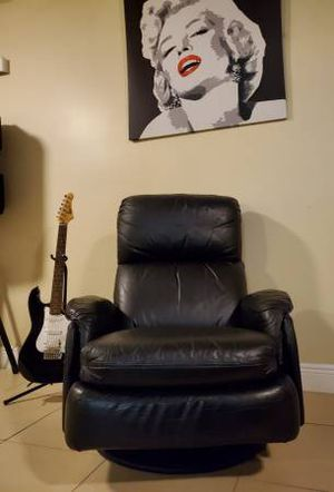 Authentic leather swivel reclining chair for Sale in Fort Lauderdale, FL