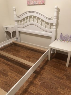 Amish queen size bed for Sale in VC Highlands, NV