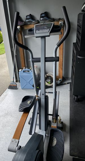 Nordictrack CXT 990 Elliptical for Sale in Bremerton, WA