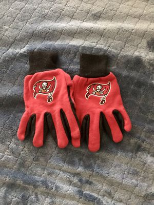 Tampa Bay Buccaneers Gloves (Adult Size) for Sale in Fresno, CA