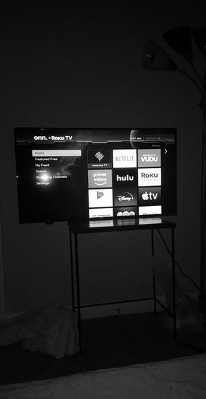 Smart 40 inche tv onn for Sale in Roswell, GA