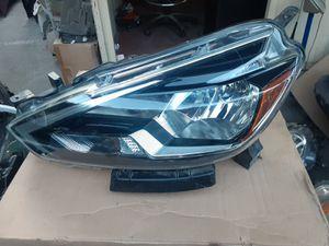 Nissan Sentra headlights for Sale in Wilmington, CA