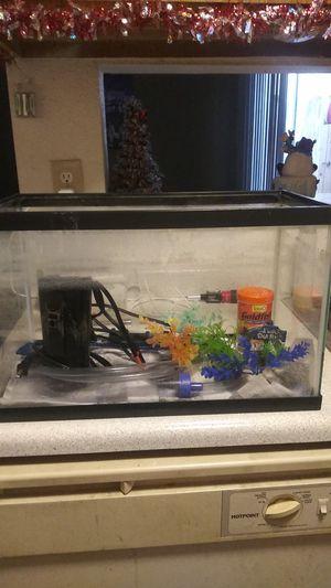 10 gallon fish aquarium/reptile habitat for Sale in Henderson, NV