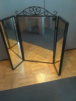 Makeup Vanity mirror for Sale in McKinney, TX
