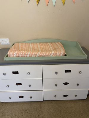 Changing table top and pad/cover for Sale in Glendale, AZ