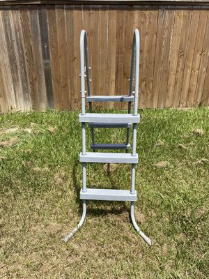 Pool ladder for Sale in Humble, TX