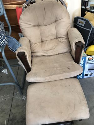 Rocking chair for Sale in Adelanto, CA