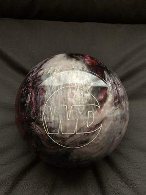 "New 14 lb Columbia White Dot ""Blackberry"" bowling ball for Sale in Broadway, NC"