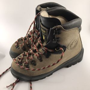 La Sportiva Makalu Hiking Boots Size 38.5 for Sale in Anchorage, AK