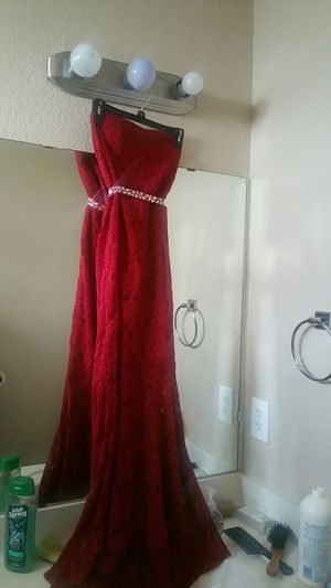 Red Lace Mermaid Tail Dress for Sale in Killeen, TX