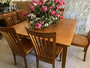 8 Piece Wood Dining Room Set for Sale in Southfield, MI