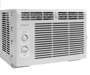 Window Air Conditioner Air Condition Aire Acondicionado de Ventana Frigidaire 5,000 BTU for Sale in Miami, FL