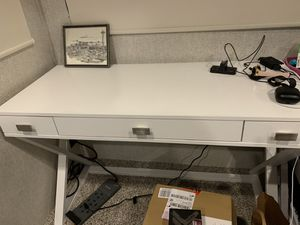 White Desk for Sale in Bremerton, WA