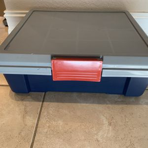 Latching Storage Container for Sale in Fort Lauderdale, FL