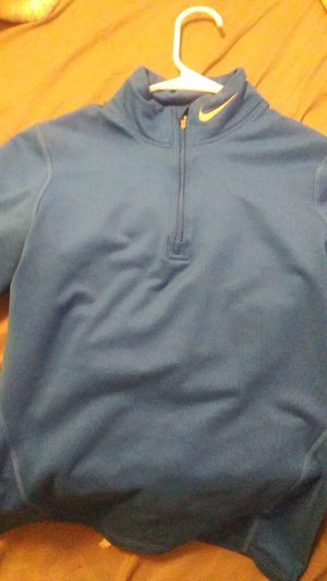 Royal blue nike fleece long sleeve size medium for Sale in Kent, WA