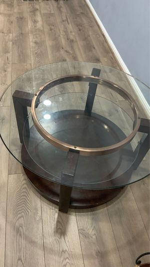Round nice coffee table and new. for Sale in Woodbridge, VA