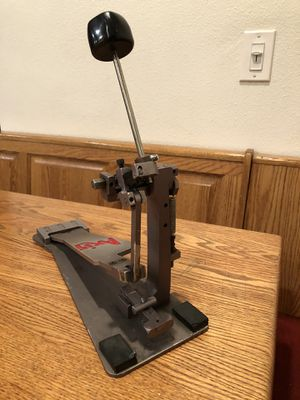 AXIS PROFESSIONAL BASS DRUM / KICK DRUM PEDAL ULTRA LIGHT AWESOME FAST for Sale in Milpitas, CA