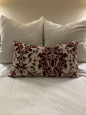 High end decorative pillow for Sale in Brunswick, OH