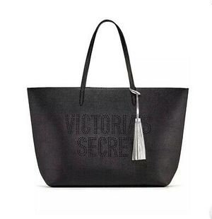 VICTORIA'S SECRET TOTE BAG BLACK SILVER TASSLE WEEKENDER CARRY ON PURSE for Sale in Williamsport, OH