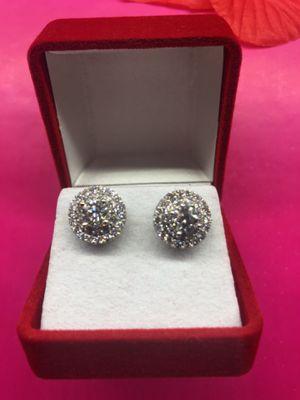 Beautiful Diamond Earrings 14k white Gold for Sale in Orlando, FL