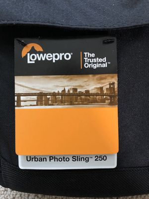 BRAND NEW Lowepro Urban Photo Sling 250 for Sale in Placentia, CA