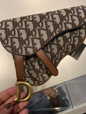 Dior bag for Sale in Sunland-Tujunga, CA