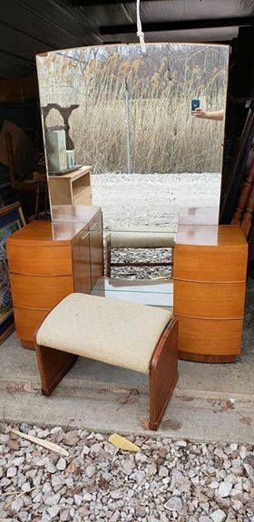 Vintage Midcentury Wood Vanity with Large Mirror ( no stool- it sold already and shipped) - FIRM PRICE for Sale in Lorain, OH