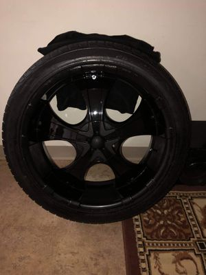 22 inch Shooz Rims and low profile tires for Sale in Pawtucket, RI