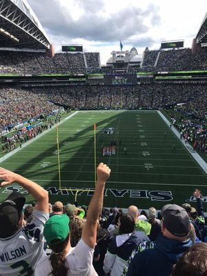 2 tickets- Seattle Seahawks VS Baltimore Ravens 10/20 for Sale in Edgewood, WA