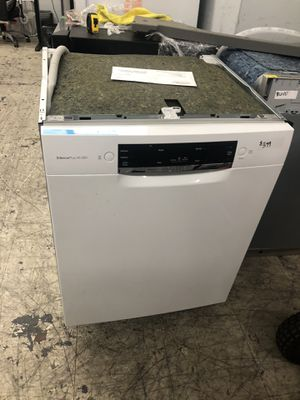 Bosch white dishwasher brand new for Sale in Los Angeles, CA