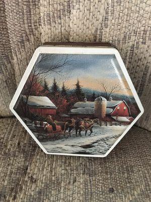 Antique tin. Excellent condition for Sale in Atchison, KS