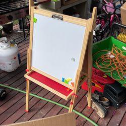 White Board For Kid for Sale in Marysville,  WA