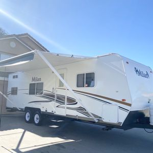 2011 Milan Travel Trailer 27FT Just Like New Ready To Go for Sale in Temecula, CA