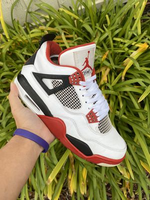 Air Jordan 4 Fire red size 9 for Sale in Roseville, CA